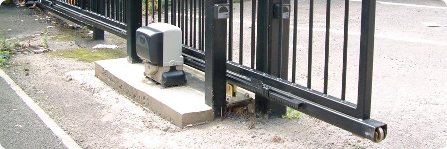 Came bx 78 230v ac sliding gate opener kit for a gate for Sliding gate motor kit